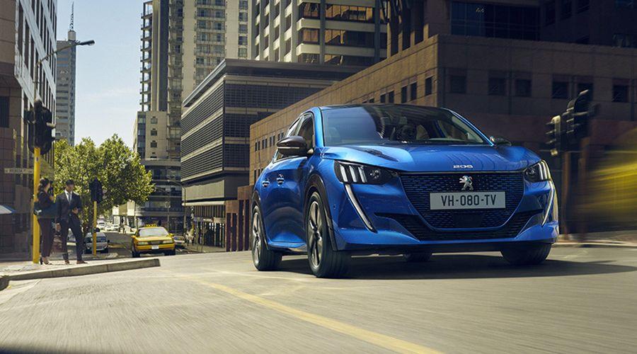 Peugeot-e-208-street-WEB.jpg