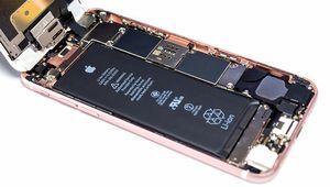 Apple daigne enfin réparer les iPhone avec une batterie non officielle