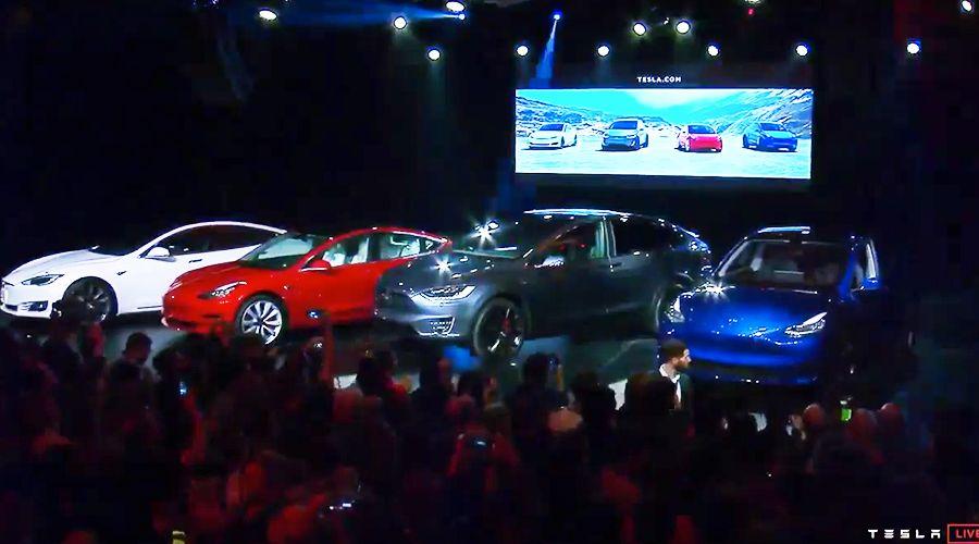 Tesla-Model-Y_BROCHETTES-WEB.jpg
