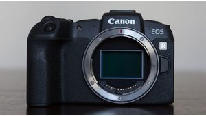 Canon proposera bien un boîtier avec capteur stabilisé