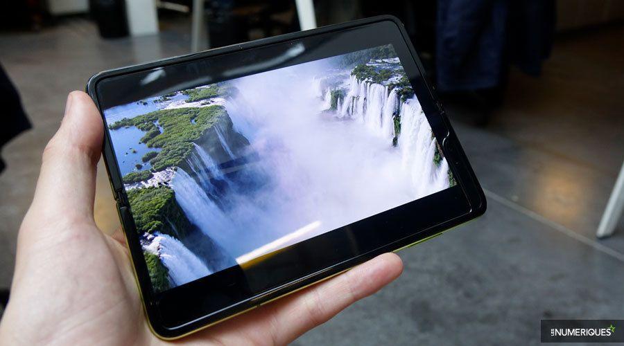 Samsung-galaxy-fold-pliure-blanc-2.jpg