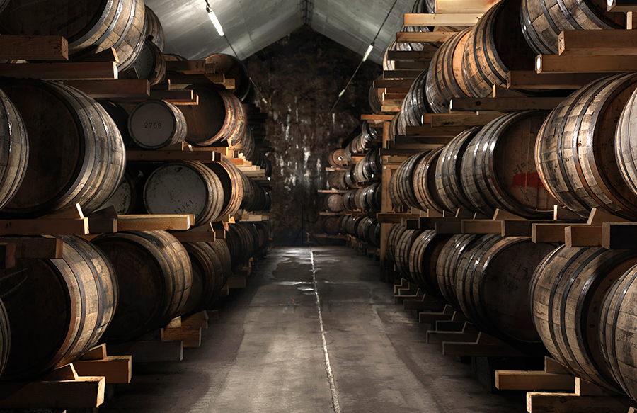 Mackmyra-barrles-in-storage 900.png