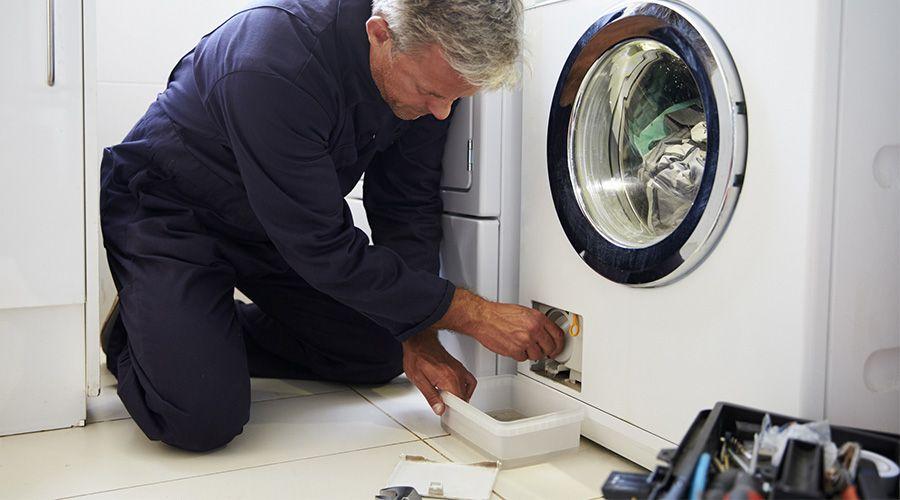 comment déménager un lave-linge : nettoyer le filtre