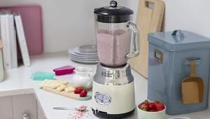 Russell Hobbs la joue fifties avec son blender Retro 25192-56