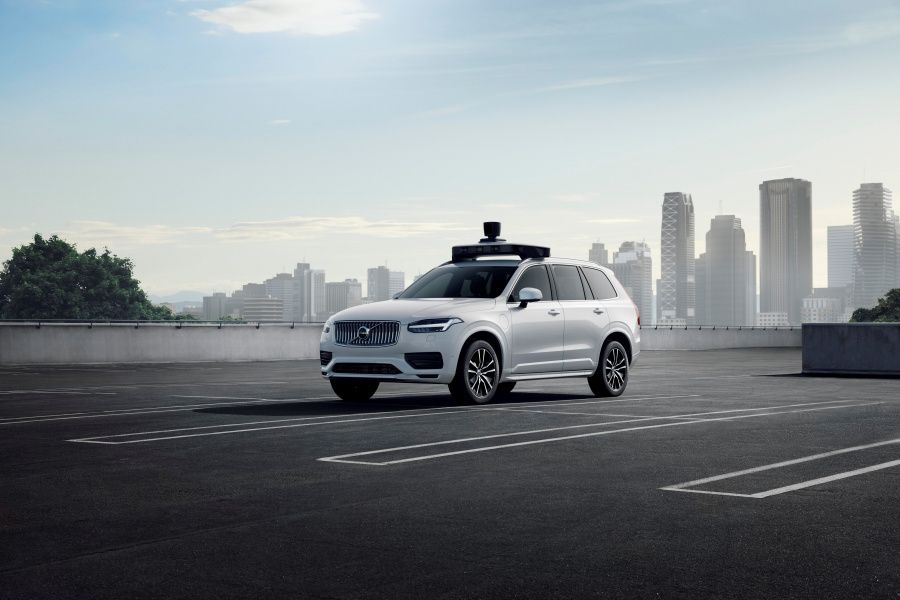 254706_Volvo_Cars_and_Uber_present_production_vehicle_ready_for_self-driving.jpg