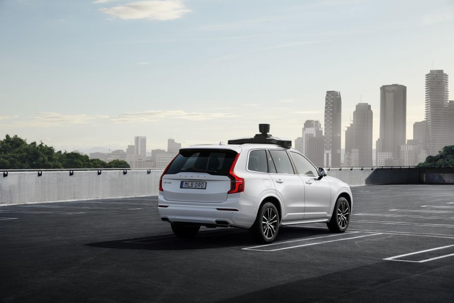 254707_Volvo_Cars_and_Uber_present_production_vehicle_ready_for_self-driving.jpg