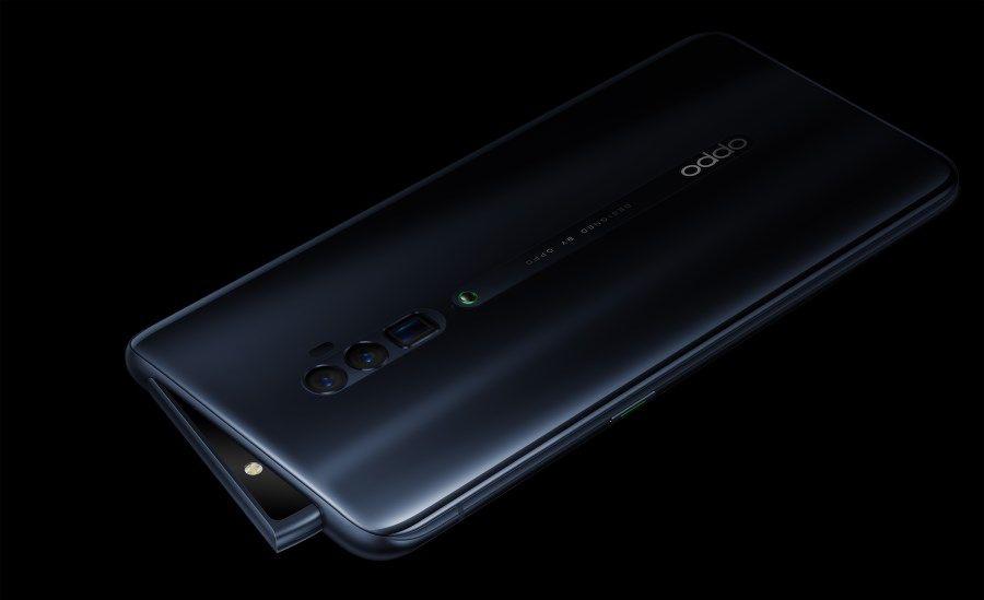 Le smartphone OPPO Reno 10x Zoom vu de dos.