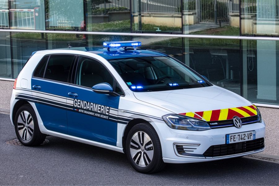Volkswagen e-Golf version police