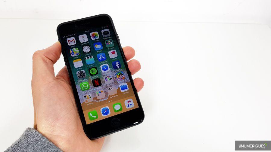 apple-iphone-8-face.jpg