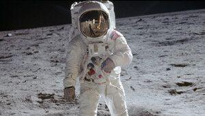 Premiers pas sur la Lune, Hasselblad rediffuse son communiqué de 1969