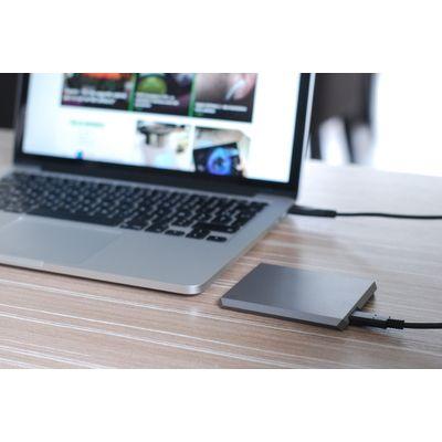 LaCie Mobile SSD 2To, le SSD externe assorti aux MacBook