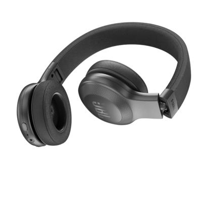 JBL E45BT: un casque Bluetooth aussi adolescent que sa cible