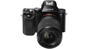 Black Friday – Le kit Sony Alpha 7 + 28-70 mm à 899 €