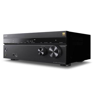 Il embarque un convertisseur N/A Burr-Brown PCM195 pouvant gérer des  résolutions max de 192 kHz / 32 bits, ...