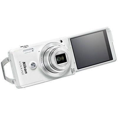 Nikon Coolpix S6900, plus rapide, plus selfie mais une qualité d'image décevante