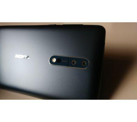 Nokia lecteurstesteurs_Eve_Nokia8_smartphone