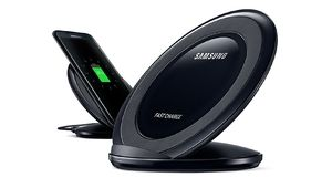 Soldes 2019 – Le chargeur à induction Samsung EP-NG930 à 8€ après ODR