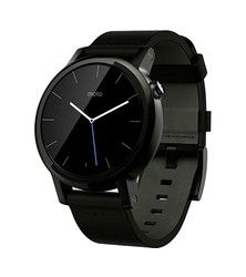 Motorola Moto 360 en version 42mm de 2015,  les mêmes et on recommence