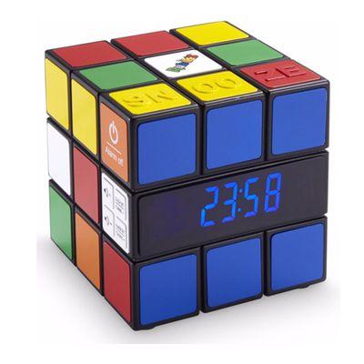 Bigben RR80 Rubik's: un réveil coincé dans les années 70