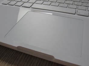 Apple MacBook 13 Unibody touchpad