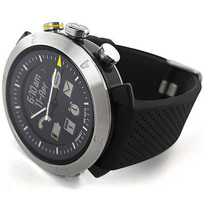 ConnecteDevice Cogito, la montre connectée, avec des aiguilles