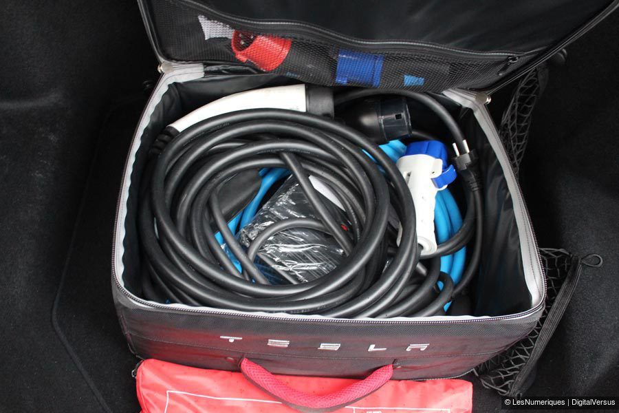 Tesla S valise cable 2
