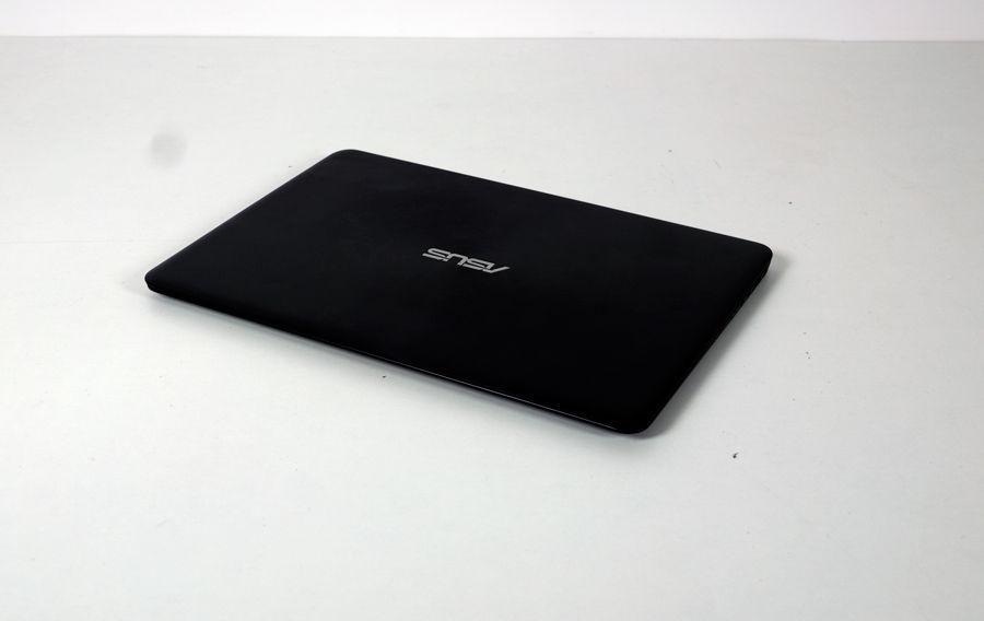 Asus Zenbook UX305 6