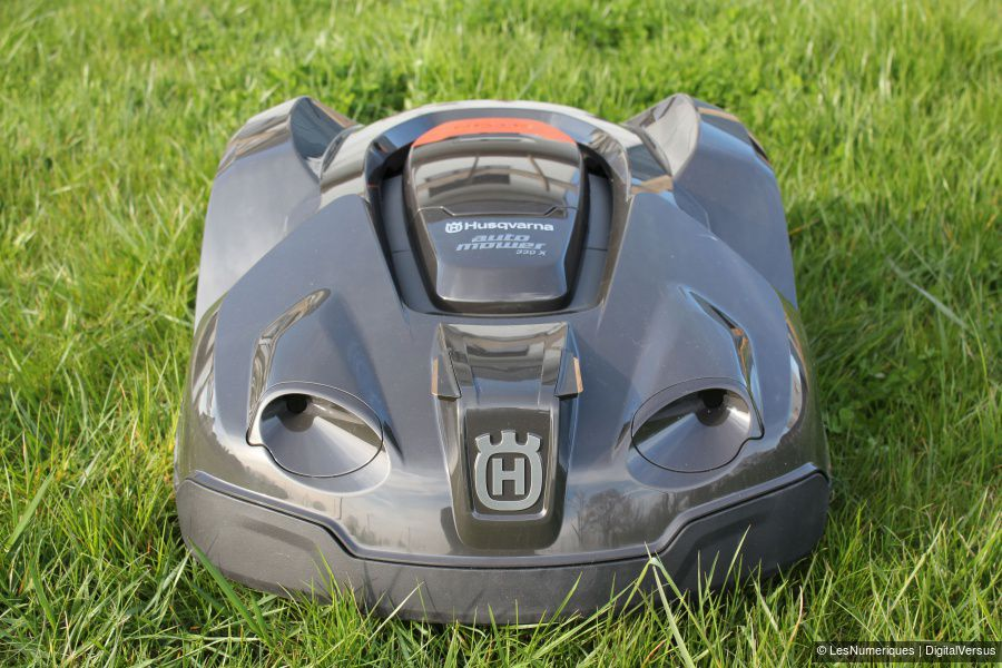 Husqvarna_Automower_330X_Test_03a.jpg