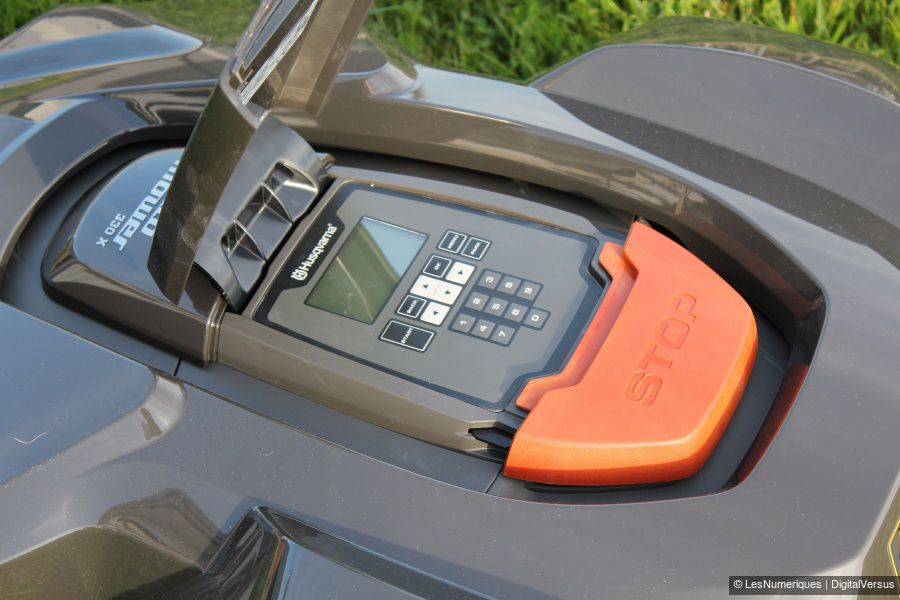 Husqvarna_Automower_330X_Test_03b.jpg