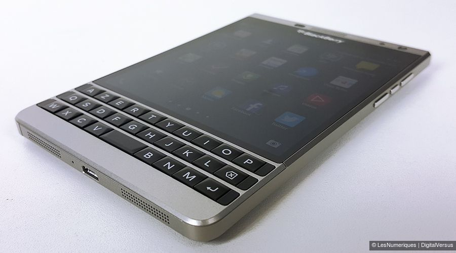 bb-passport-silver-tq.jpg