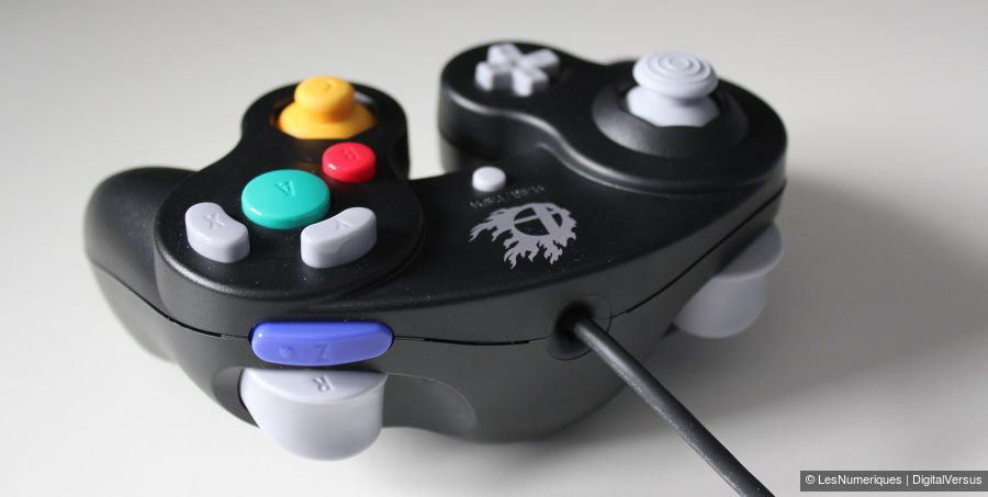 Nintendo_GameCube-Controller_Super-Smash-Bros-Edition_Test_02.jpg