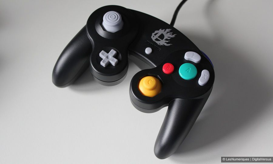 Nintendo_GameCube-Controller_Super-Smash-Bros-Edition_Test_03.jpg