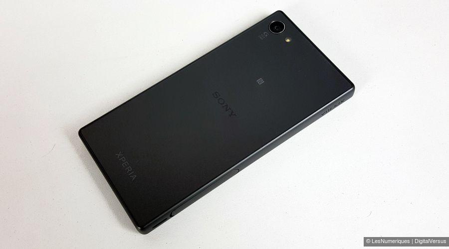 sony-xperia-z5-compact-dos.jpg