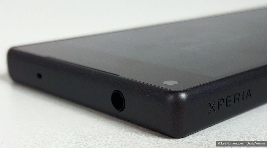 sony-xperia-z5-compact-jack.jpg
