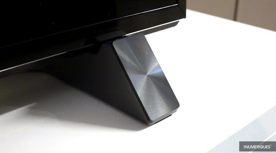 Panasonic-58DX900-pied.jpg