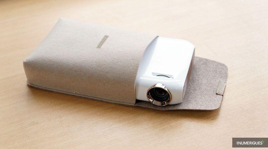 LG-PW1500-2.jpg