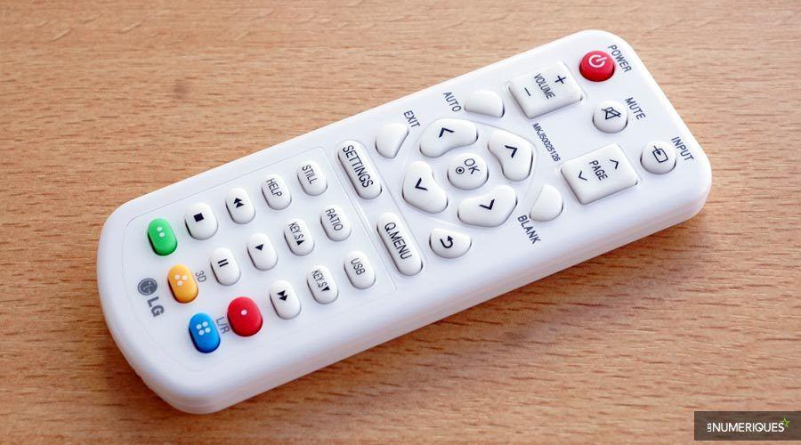 LG-PW1500-remote.jpg