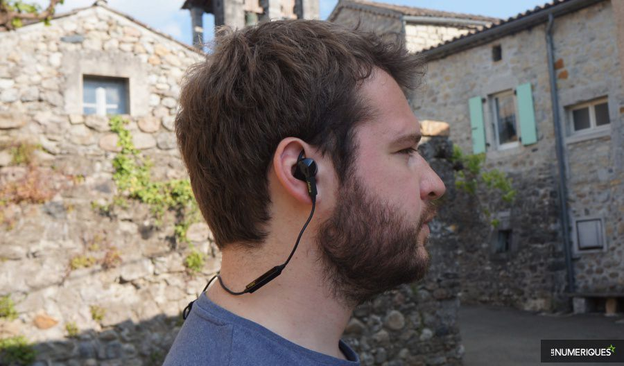 Jabra-Sport-Pulse-profil-900.jpg