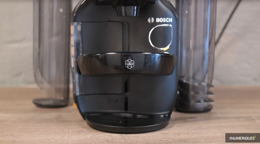 Bosch tassimo caddy ts7002 test complet cafeti re capsule dosette les num riques - Support capsule tassimo bosch ...