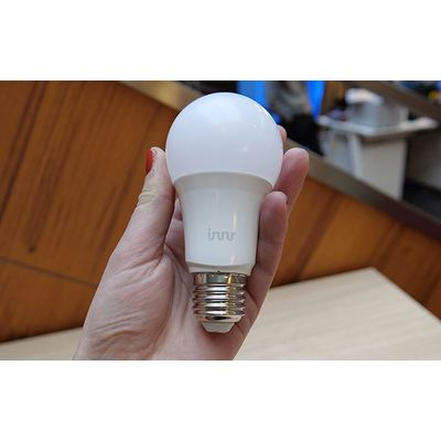 Ampoule connectée Innr Smart Bulb White E27 : compatible Philips Hue