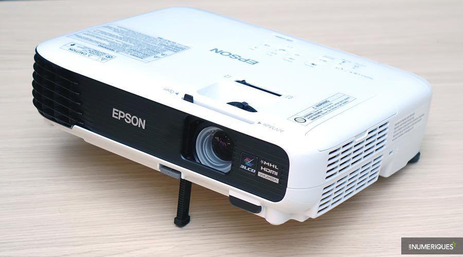 Epson-EB-U04-4.jpg