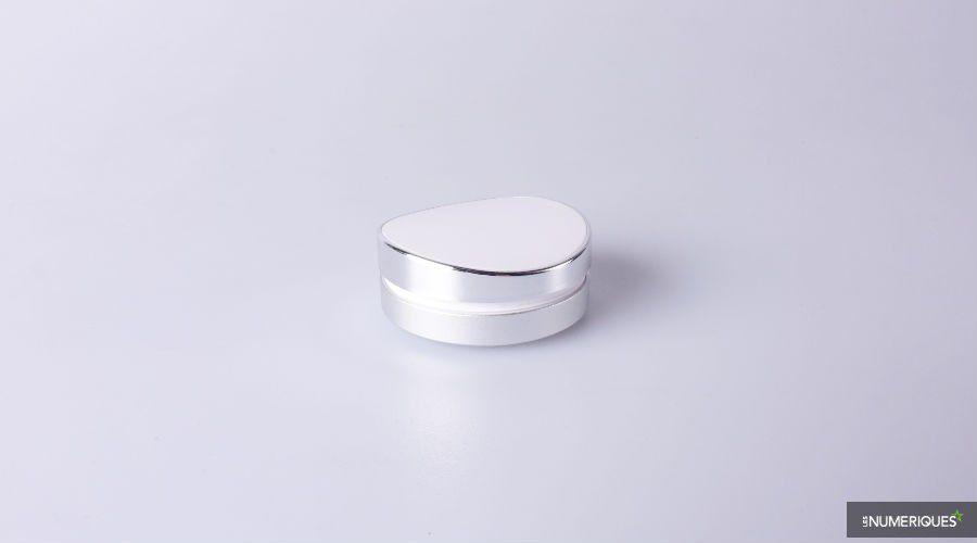 Awox-Smart-Pebble.jpg