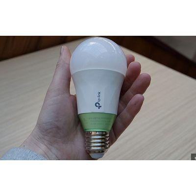 Ampoule TP-Link LB110: un blanc chaud peu convaincant