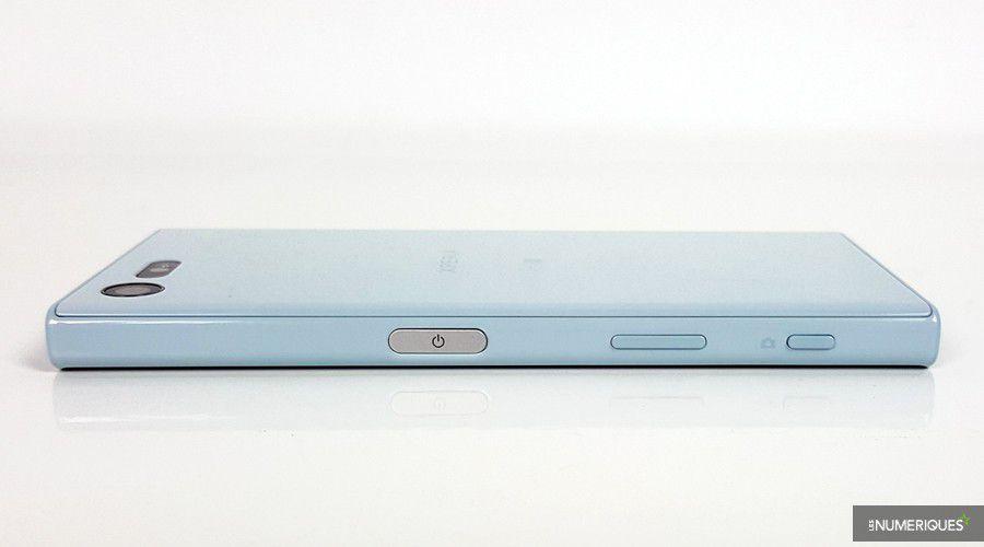 test-sony-xperia-x-compact-profil.jpg