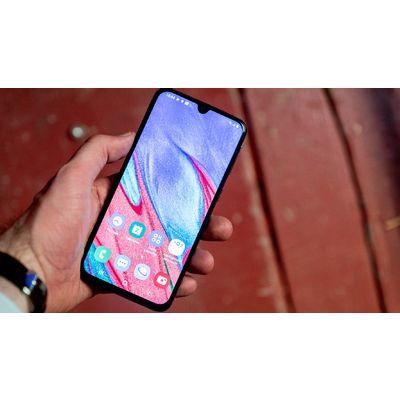 Samsung GalaxyA40: compacité et efficacité