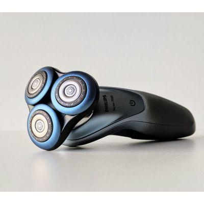 Rasoir Philips Series 7000 S7940/16: trois fines lames pour les peaux sensibles