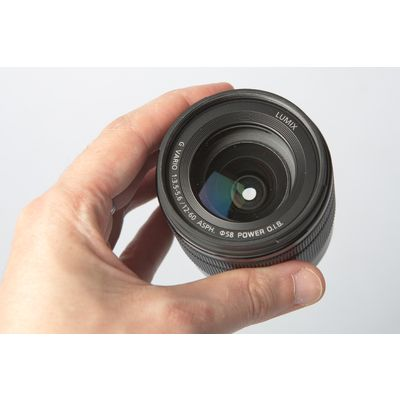 Panasonic Lumix G Vario 12-60 mm F3,5-5,6 ASPH Power O.I.S. : une bonne base