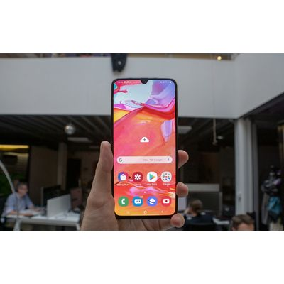 Samsung Galaxy A70: un smartphone endurant à écran géant