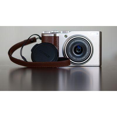 Test Fujifilm XF10: compact APS-C charmant mais parfois agaçant