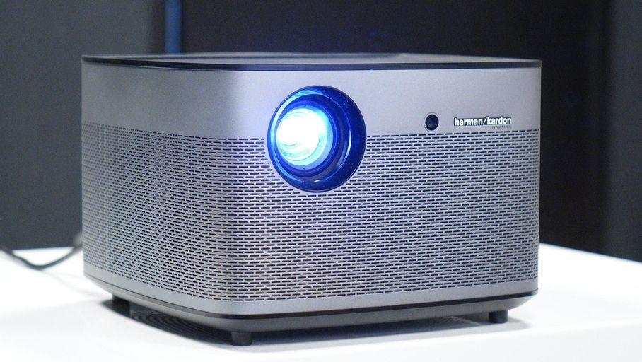 Comment brancher des haut-parleurs à un projecteur